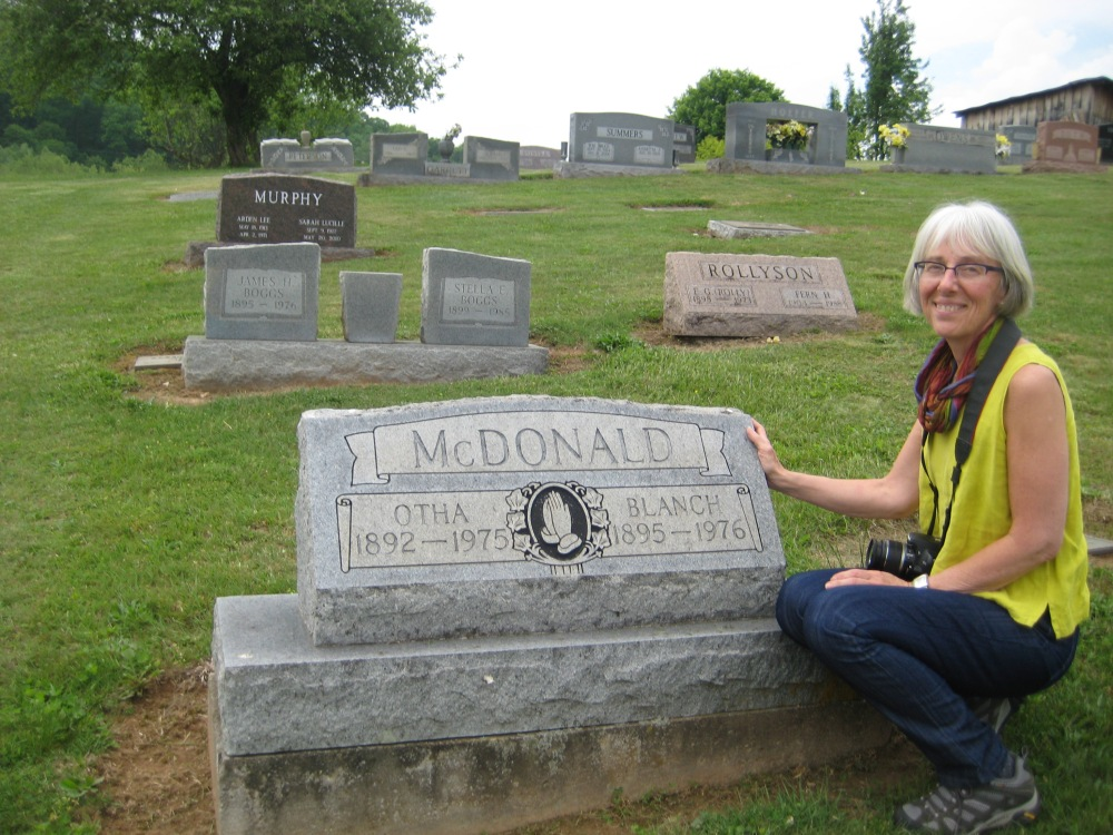 McDonald sister grave 002 with Susan Feller